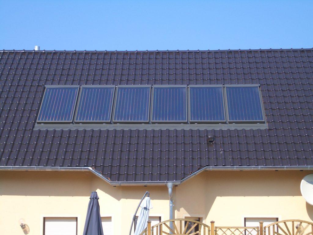 Kuva CitrinSolarin auringonkeräimestä katolla